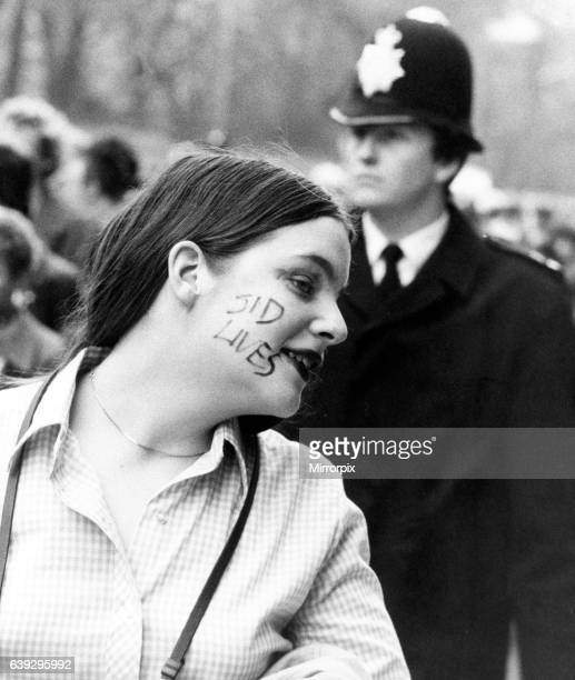 Punk Rockers meeting at Sloane Square, London for a march to Hyde Park to commemorate the death of Sid Vicious. 2nd February 1980.