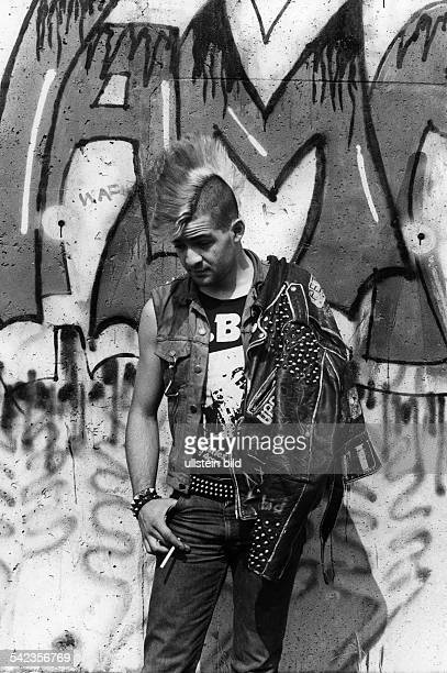 Punk vor der Berliner Mauer1984