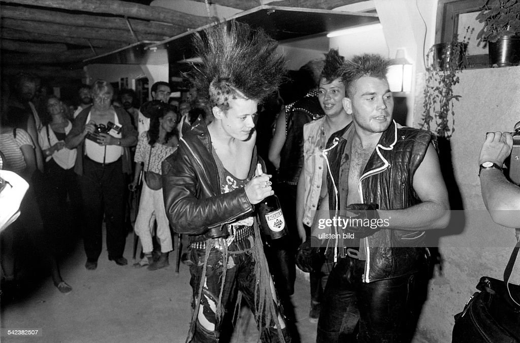 Punker Fete Auf Ibiza August 1987 News Photo Getty Images