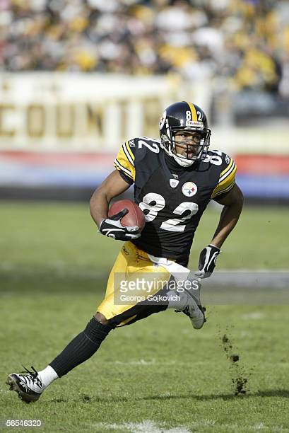 Punt returner Antwaan Randle El of the Pittsburgh Steelers in action against the Detroit Lions at Heinz Field on January 1, 2006 in Pittsburgh,...