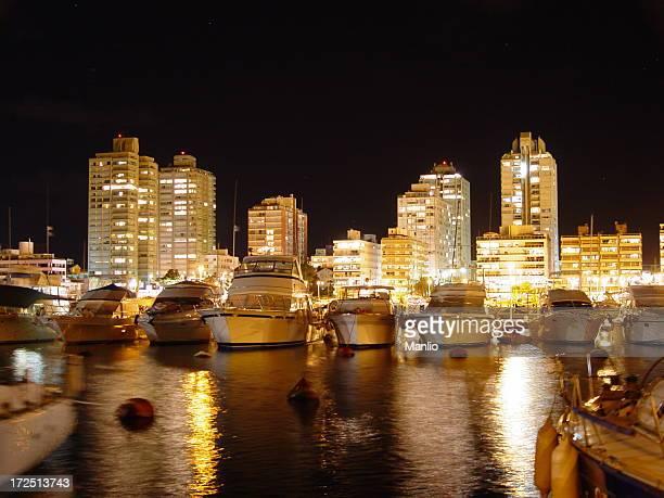 punta del este marina, à noite - uruguai - fotografias e filmes do acervo