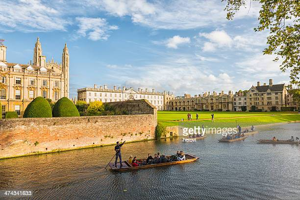 punting in cambridge - water's edge stock pictures, royalty-free photos & images