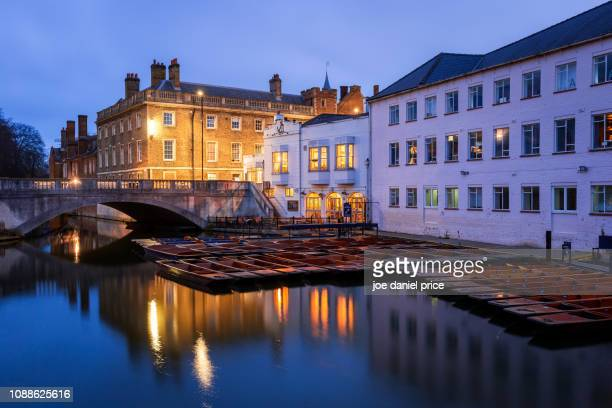 punting station, cambridge, england - cambridge cambridgeshire imagens e fotografias de stock