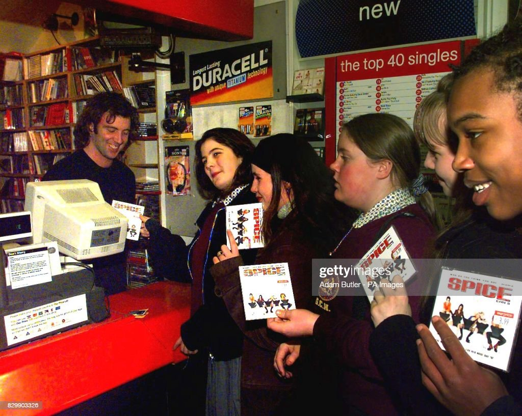 Old record shop p*rn - Page 3 Pupils-from-greycoat-school-in-victoria-queue-up-in-our-price-records-picture-id829903326