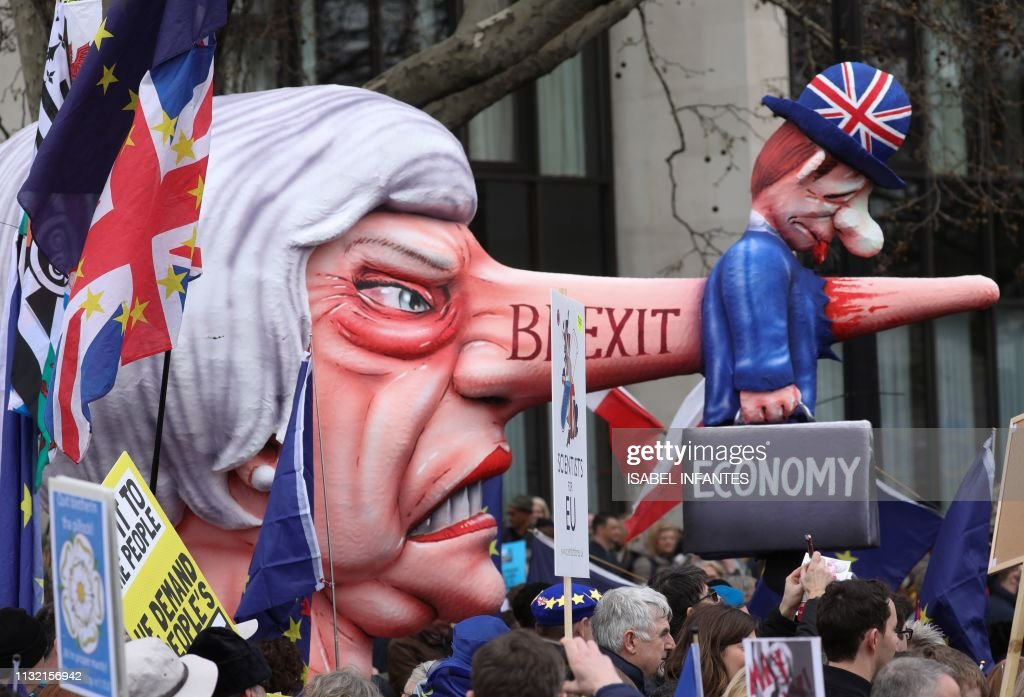 TOPSHOT-BRITAIN-EU-POLITICS-DEMONSTRATION-BREXIT : News Photo