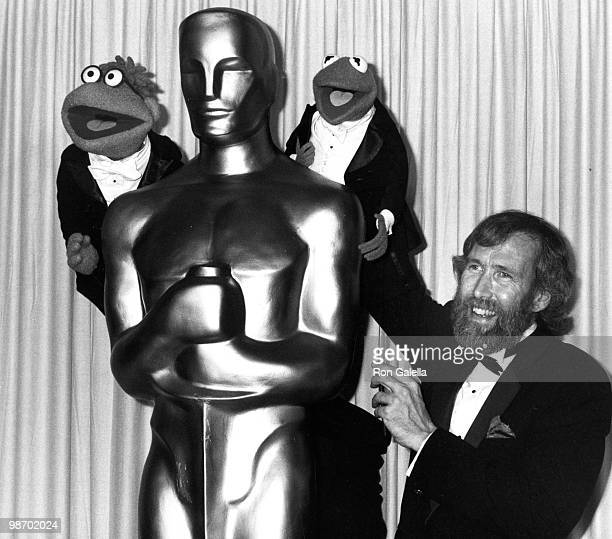 Puppeteer Jim Henson and Kermit the Frog and Scooter attend 58th Annual Academy Awards on March 24 1986 at the Dorothy Chandler Pavilion in Los...