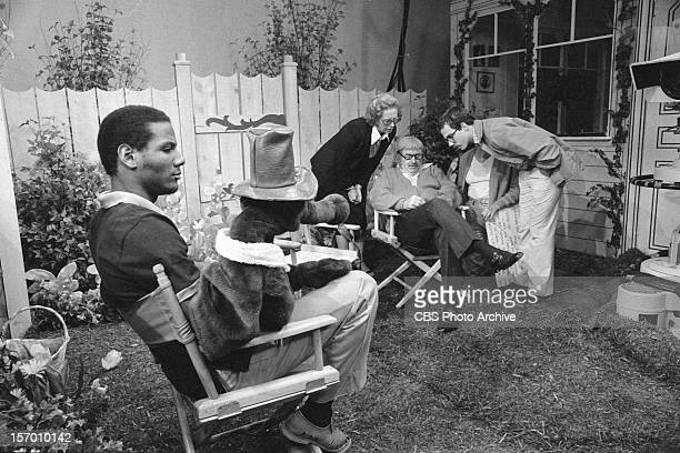 KANGAROO Puppeteer Kevin Clash left on Captain Kangaroo Bob Keeshan sits on the right Image dated July 28 1980