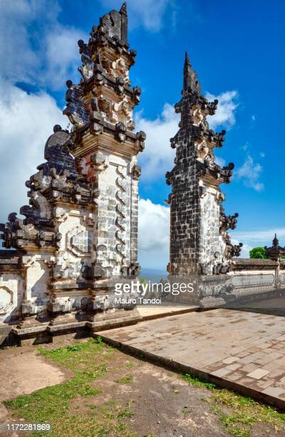 pura penataran agung lempuyang - mauro tandoi stock pictures, royalty-free photos & images