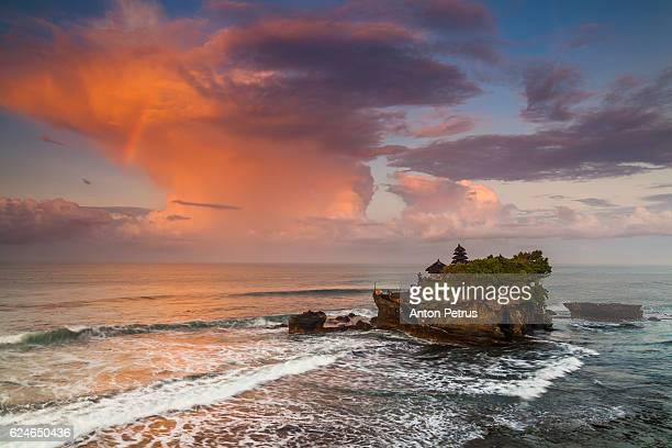 Pura Tanah Lot at sunset, Bali