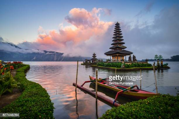 pura ulun danu bratan in bali, indonesia - indonesia stock pictures, royalty-free photos & images