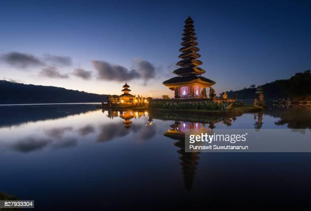 pura ulun danu bratan, landmark of bali island in the morning, bali island, indonesia - lake bratan area stock pictures, royalty-free photos & images