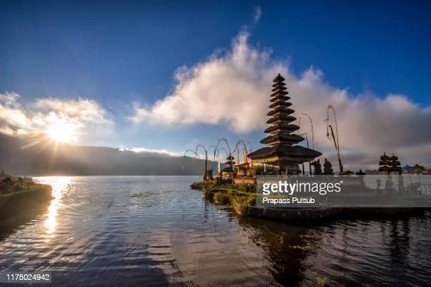 pura ulun danu bratan temple in bali, indonesia - lake bratan area stock pictures, royalty-free photos & images
