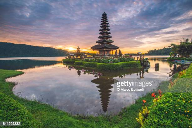 pura ulun danu bratan water temple. bali. - indonesia stock pictures, royalty-free photos & images