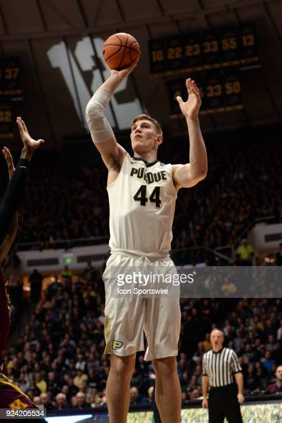Purdue Boilermakers center Isaac Haas shoots a jump shot during the Big Ten Conference college basketball game between the Minnesota Golden Gophers...