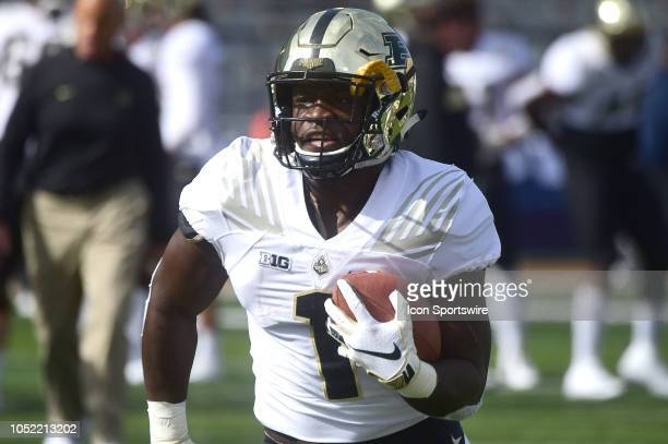 Purdue Boilermakers running back DJ Knox warms up before a Big Ten Conference college football game between the Purdue Boilermakers and the Illinois...