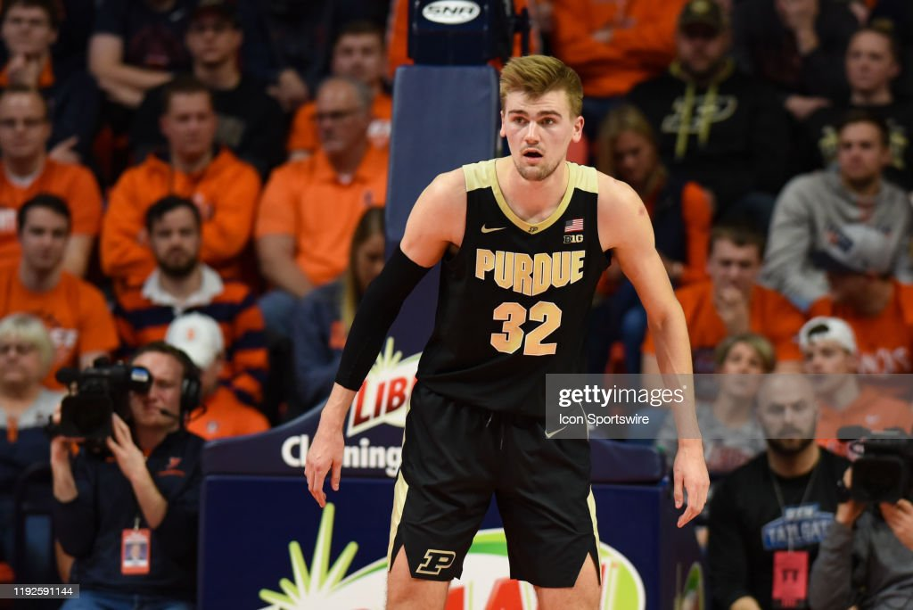 COLLEGE BASKETBALL: JAN 05 Purdue at Illinois : News Photo