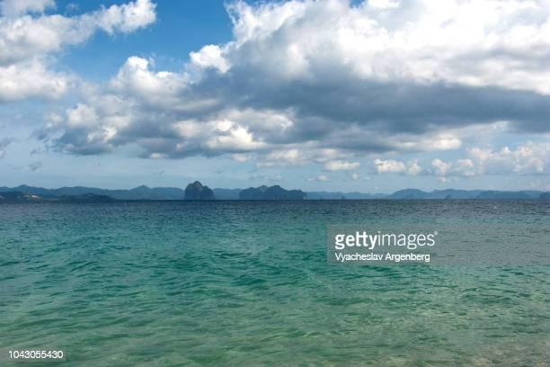 pure tropical bliss, el nido bay, philippines - argenberg photos et images de collection