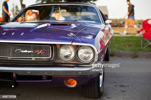 purple 1970 dodge challenger r/t - 1970s muscle cars stock pictures, royalty-free photos & images