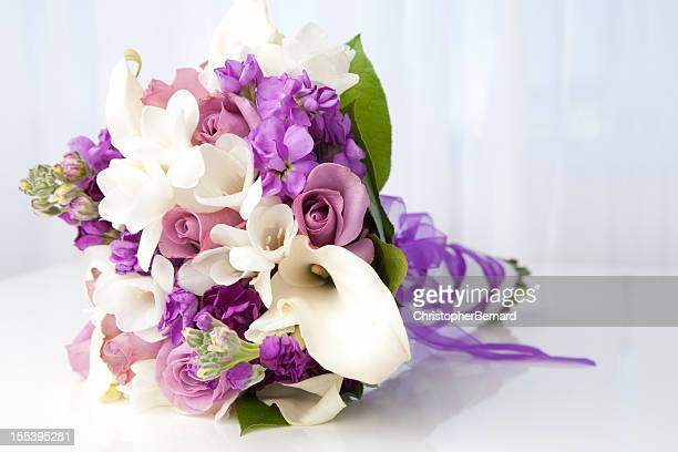purple and white bridal bouquet - calla lily stock pictures, royalty-free photos & images