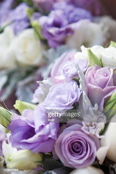 パープルと白いバラのブーケ