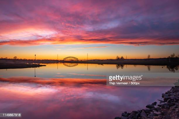 purple clouds sunset - arnhem stockfoto's en -beelden