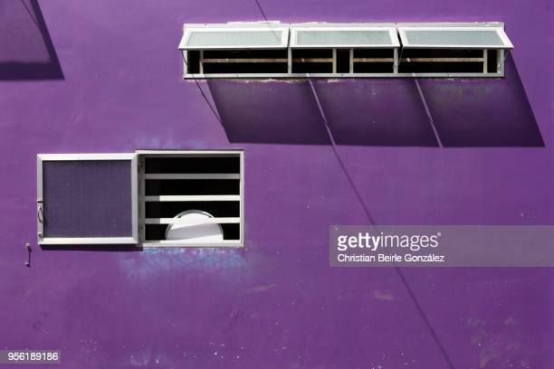 purple facade - can tho / vietnam - christian beirle stockfoto's en -beelden
