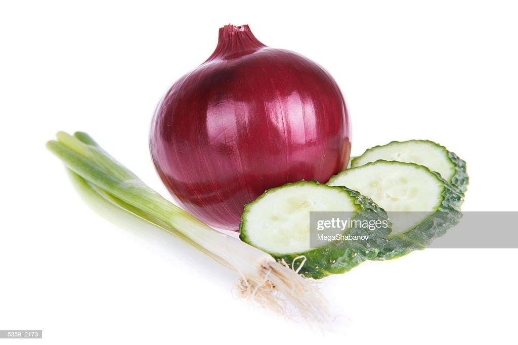 Cebolla morada y pepino : Foto de stock
