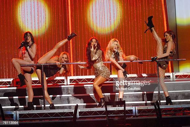 Pussycat Dolls perform Buttons