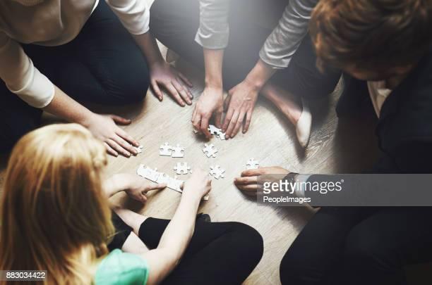 Zusammensetzen der Teile als team