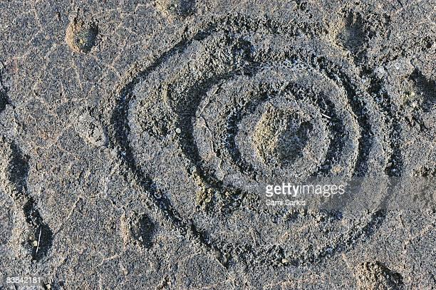 pu'u loa petroglyphs on lava - pu'u o'o vent stock pictures, royalty-free photos & images