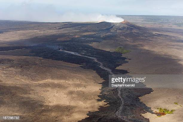 pu`u o'o and lava flow - pu'u o'o vent stock pictures, royalty-free photos & images