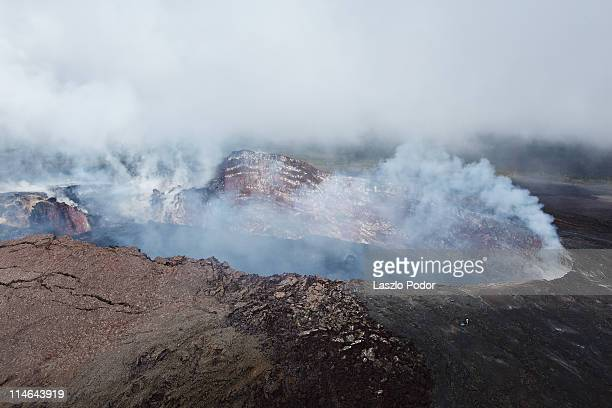pu'u o'o - kilauea volcano, hawaii, usa - pu'u o'o vent stock pictures, royalty-free photos & images