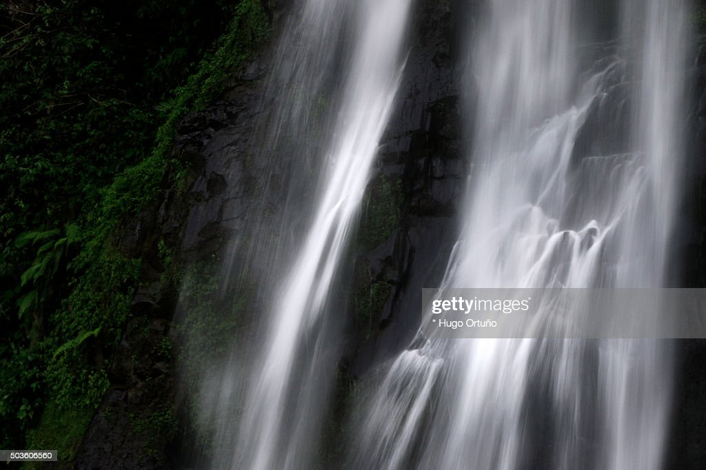 Puxtla's waterfall over eighty metres high in Tlatlauquitepec - Mexico : Foto de stock