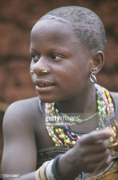Pygmy Woman In Central African Republic In 2001 - Young -2895