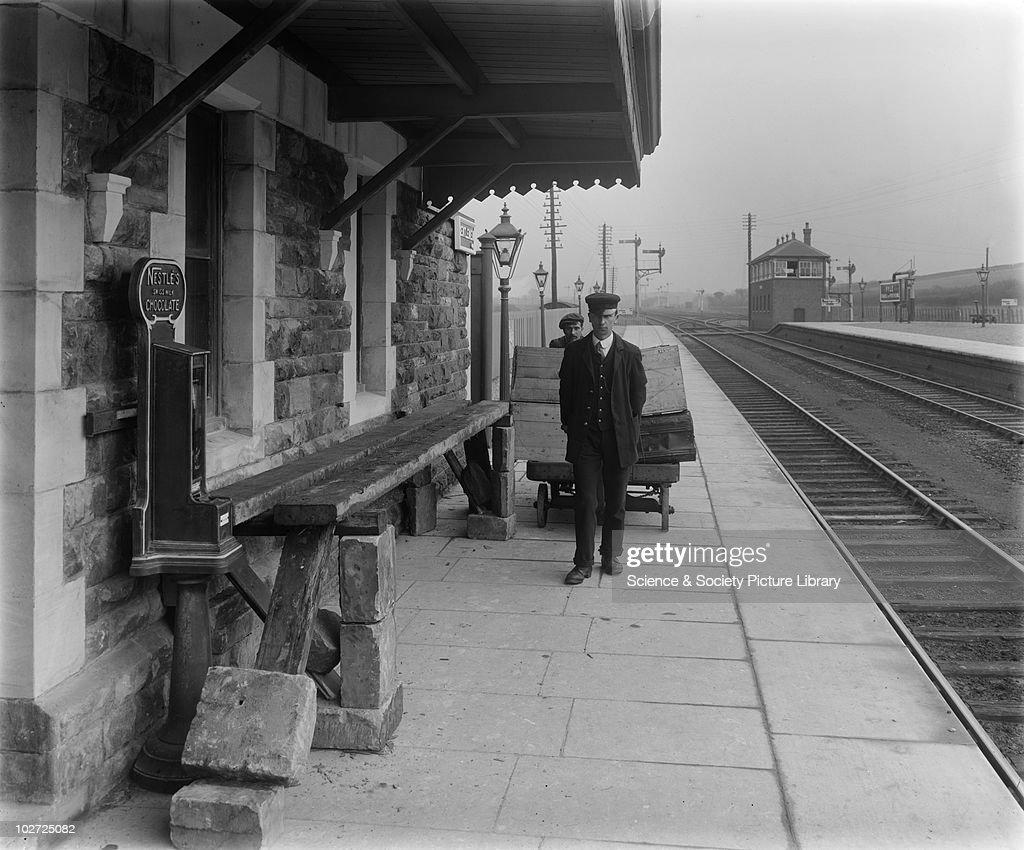 GWR Pyle Station, 1914 : News Photo