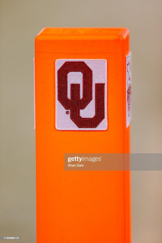 TCU v Oklahoma : News Photo