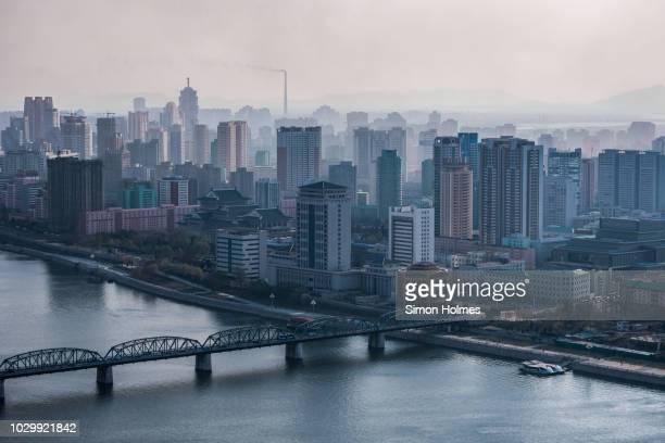 pyongyang from the juche tower - nordkorea stock-fotos und bilder