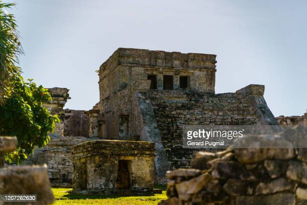 pyramid el castillo (the castle) ruins of tulum, a pre-columbian mayan walled city in yucatán peninsula on the caribbean sea in the state of quintana roo, mexico. - gerard puigmal stock pictures, royalty-free photos & images