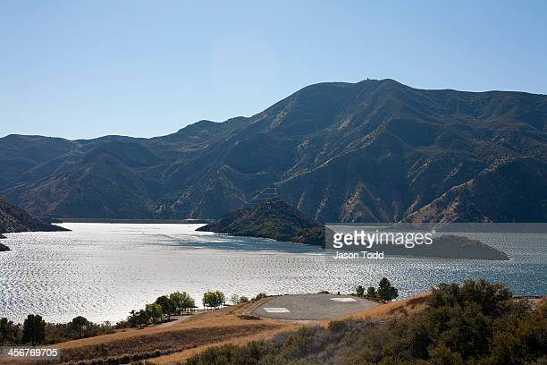 pyramid lake reservoir - castaic lake stock pictures, royalty-free photos & images