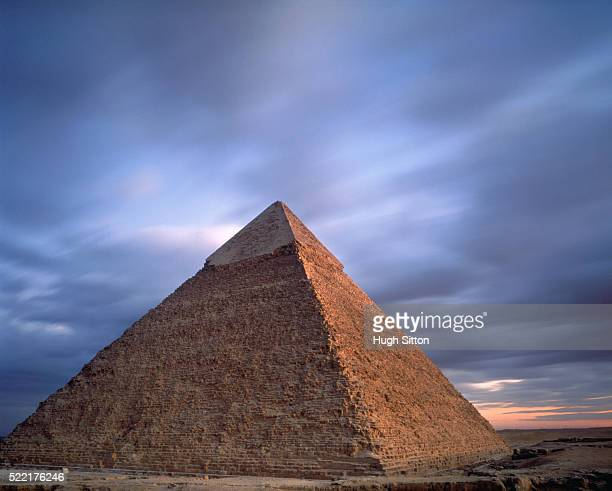 pyramid of khafre at giza - hugh sitton stock pictures, royalty-free photos & images