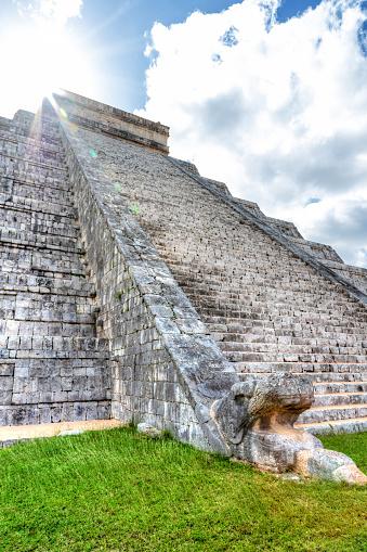 Pyramid of Kukulcan at Chichen Itza in Yucatan Peninsula, Mexico 1203477406