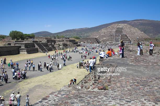 pyramid of the moon, calzada de los muertos, teotihuacan archaeological site, mexico city, mexico - pyramid shapes around the house stock pictures, royalty-free photos & images