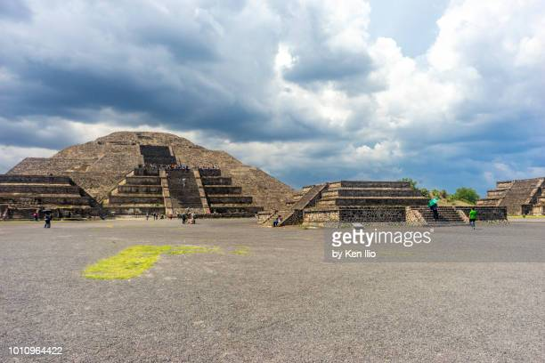 pyramid of the moon from the avenue of the dead - ken ilio stock photos and pictures