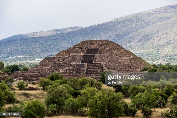 pyramid of the moon in teotihuacan - ken ilio stock photos and pictures