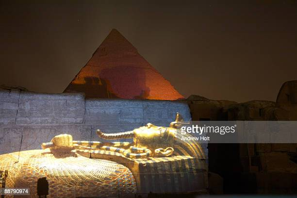 pyramids of khafre with projection, cairo, egypt. - death mask of tutankhamen stock pictures, royalty-free photos & images
