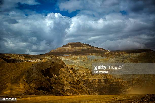 A pyramidshaped leaching pad where gold is extracted from ore stands at the Yanacocha gold mine in Cajamarca Peru on Thursday Oct 22 2015 Operations...