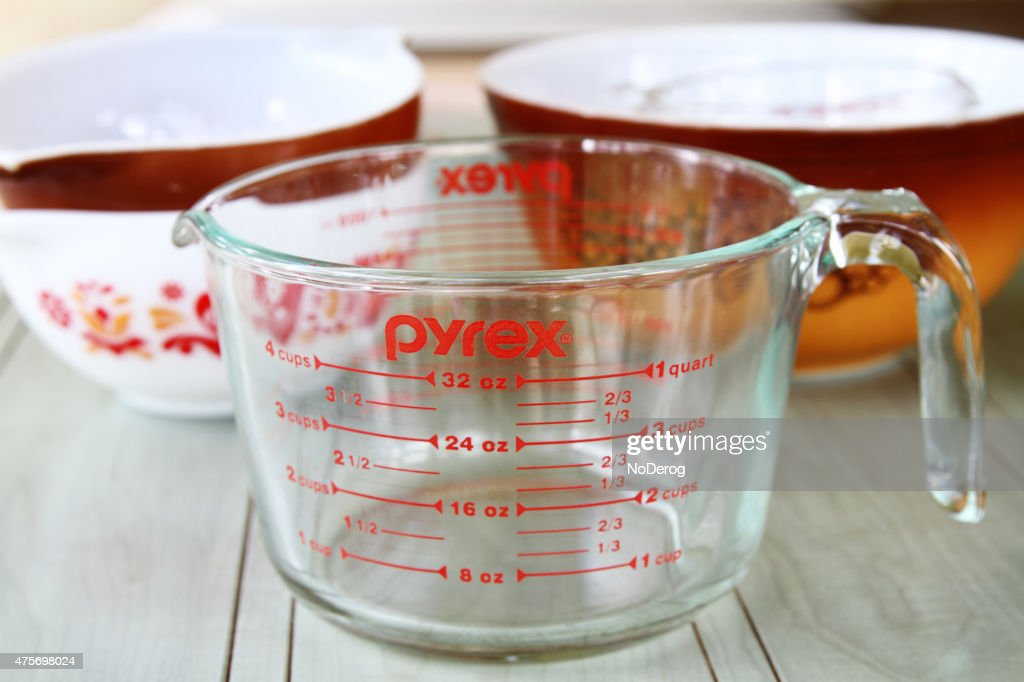 Pyrex measuring cup and mixing bowls : Stock Photo