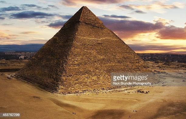 pyriamid of chephren, giza, egypt - giza pyramids stock pictures, royalty-free photos & images