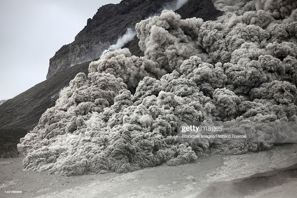 Pyroclastic flow descending the flank of Soufriere Hills volcano, Montserrat, Caribbean. : Stock Photo