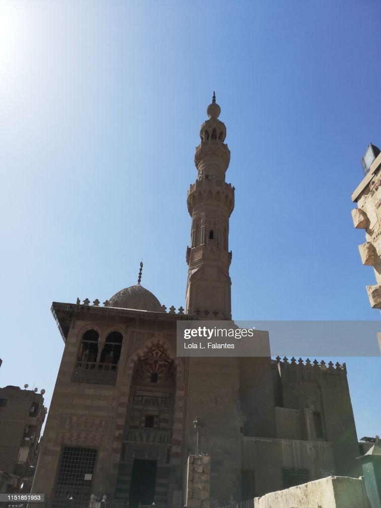 Qaitbay mosque at mamluk desert, Cairo : Foto de stock